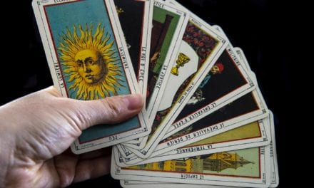 5 Tarot Cards That Indicate a New Relationship Is On The Way
