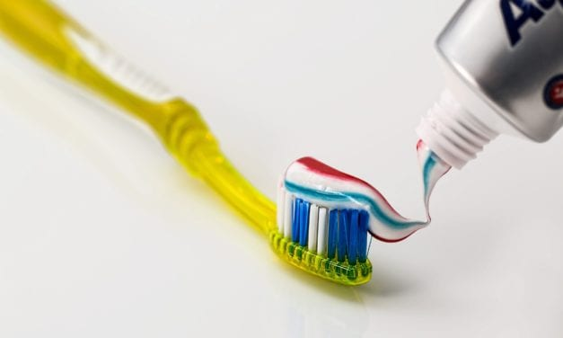 5 Cool Uses Of Toothpaste That You Did Not Know About
