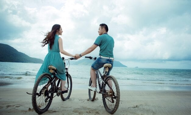 What Astrological Signs Are the Best Love Matches For Aquarius?
